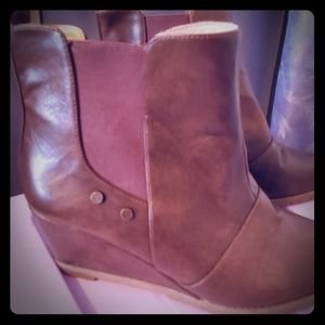 Wedge heel boots size 10 narrow fit
